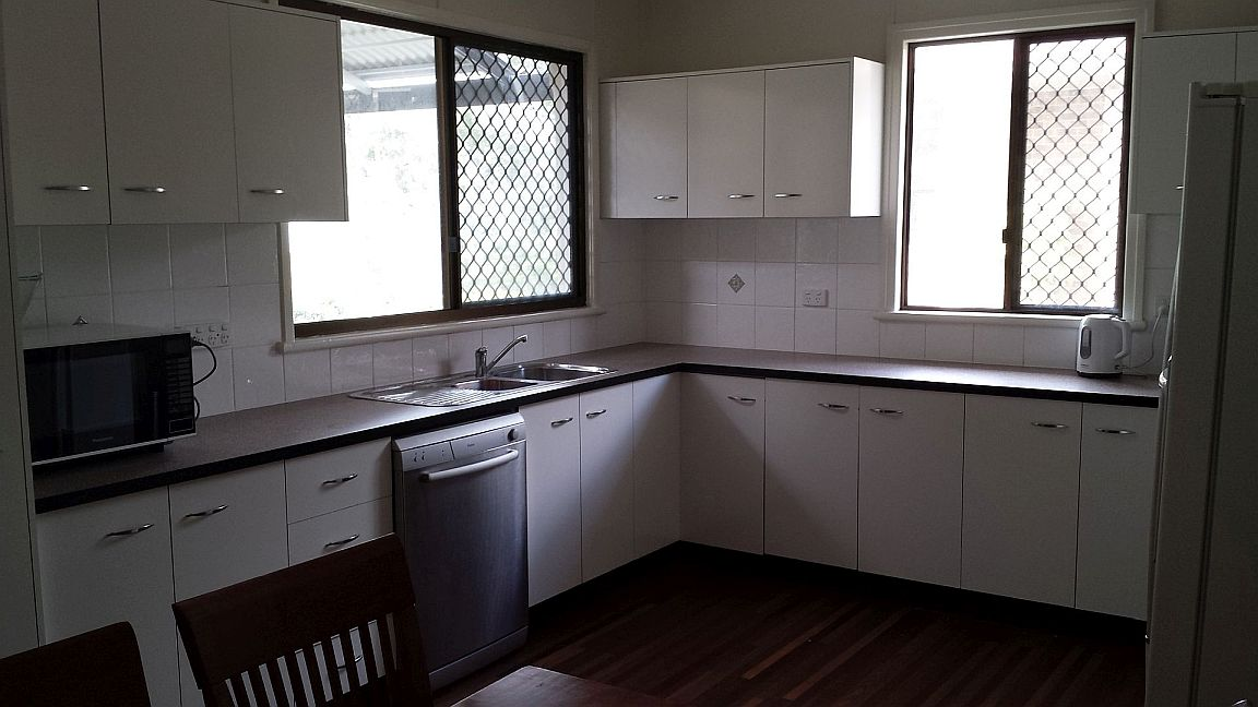 Sandy Footprints Holiday House, kitchen is normal size